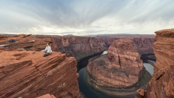 Horseshoe Bend, Arizona, USA. Yoga. Relaxation. Great View. Explorer. Town of Page.